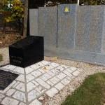 Stèle à la mémoire des victimes de la déportation.